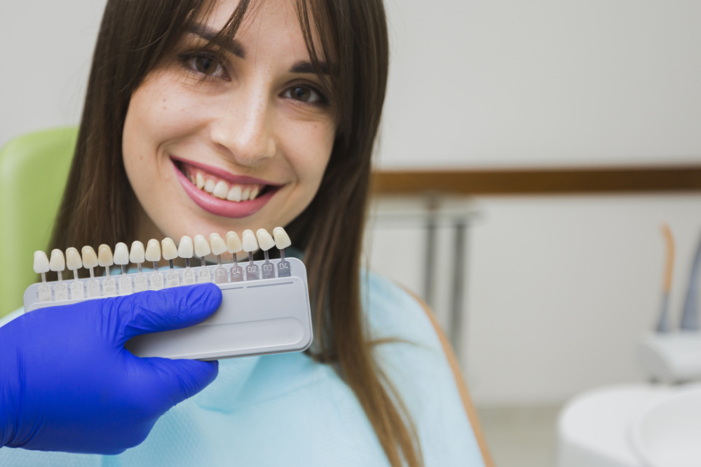 Composite Bonding and Veneers – Options for Improving Your Smile