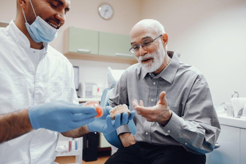 Elderly Oral Health Precautions & Treatments